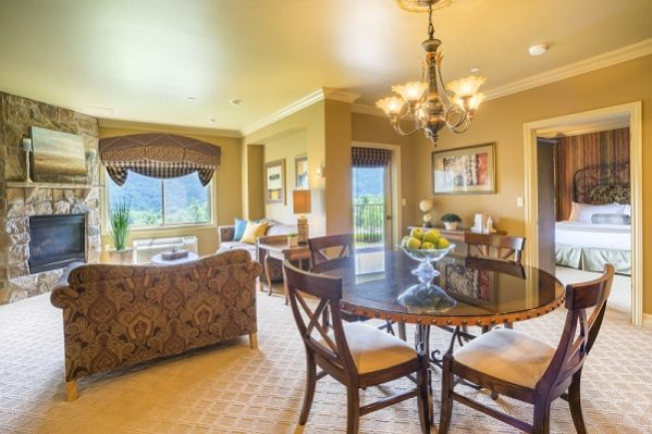 Crystal Springs Resort: Grand Cascades Lodge VIP Suite
